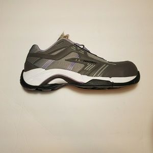 Women's Nautilus Alloy Toe Work Shoe